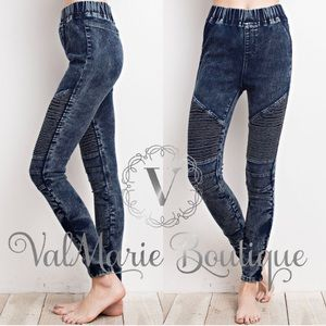 📍ONLY 2 LEFT! Super stretchy mineral washed denim